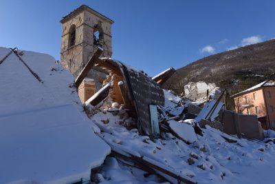 visso-villa-santantonio-terremoto-neve-fdm1-400x267