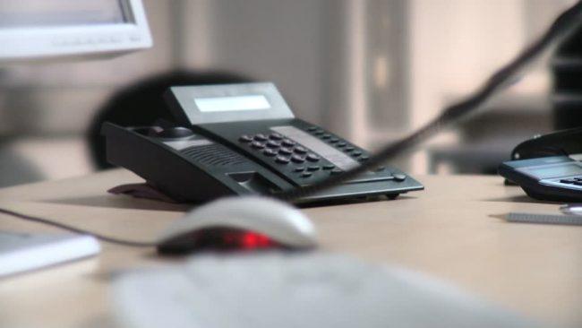 130749555-alzare-la-cornetta-ricevitore-accessibilita-mouse-650x366
