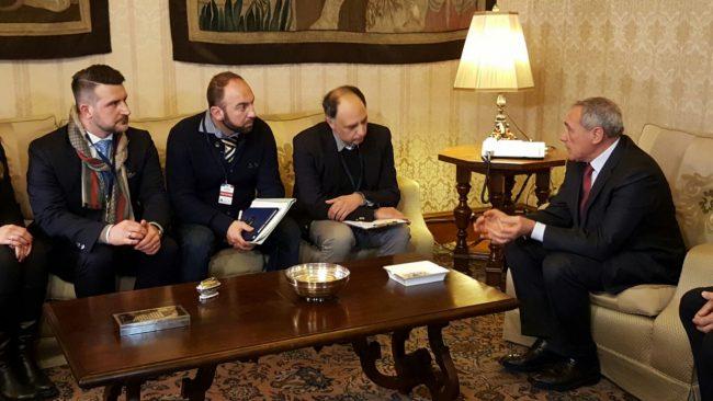 incontro-delegazione-manifestazione-terremotati-a-roma-con-il-presidente-del-senato-Grasso-5-650x366