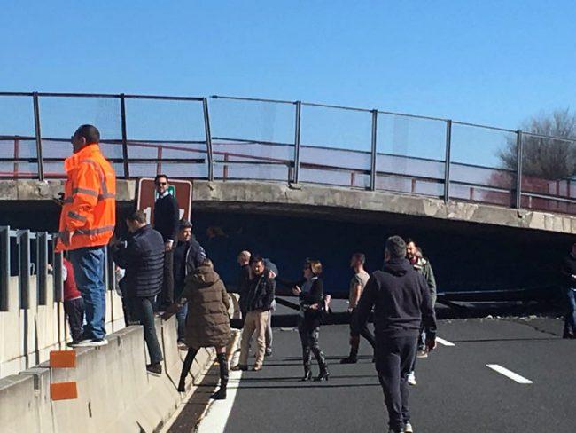 crollo-ponte-autostrada-ancona-2-650x488
