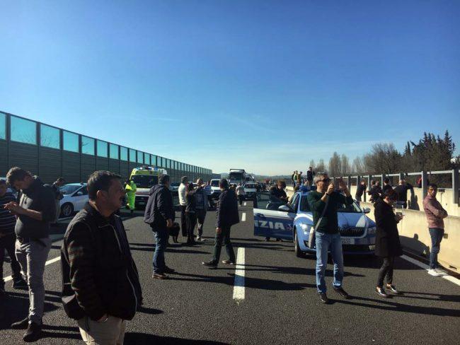 crollo-ponte-autostrada-ancona-5-650x488