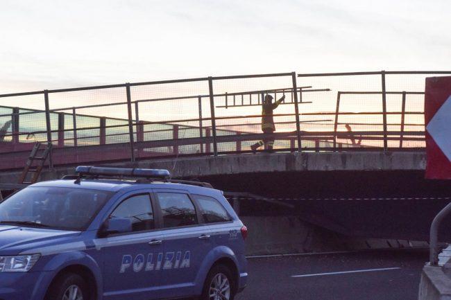 crollo-ponte-autostrada-camerano-FDM-4-650x433