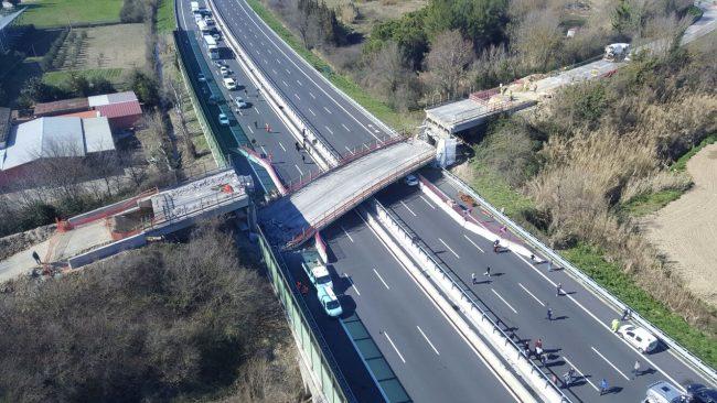 crollo-ponte-autostrada-foto-emanuela-addario-1-650x366