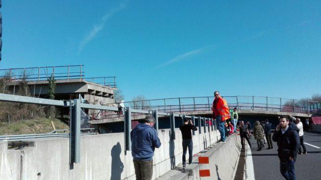 ponte-autostrada-crollato-2-650x365