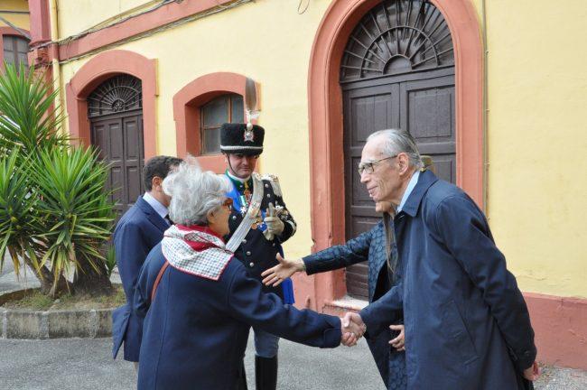 Mario-Pianesi-invitato-al-saluto-ai-militari-in-partenza-per-il-Libano-2-650x432