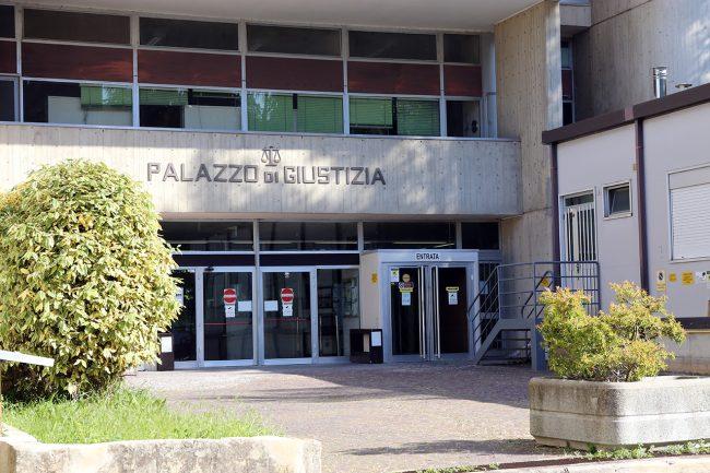 Tribunale-Macerata_foto-LB-2-650x433