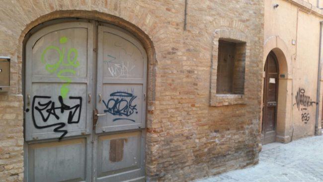 graffiti-via-crispi-1-650x366