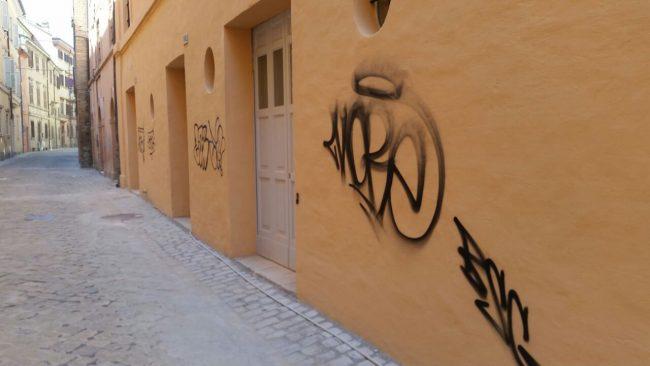 graffiti-via-crispi-4-650x366