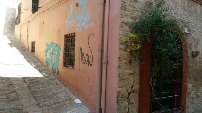 graffiti-via-crispi-9-650x366
