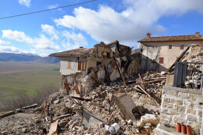 Castelluccio-post-sisma-30-10-2016_06-650x434