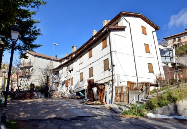 Castelluccio-post-sisma-30-10-2016_11-650x451