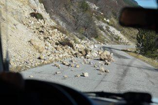 Castelluccio-post-sisma-30-10-2016_15-325x217