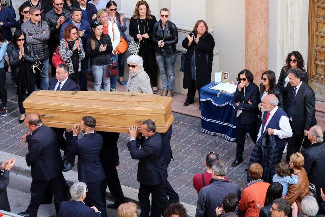 Funerale-Andrea-Mancini_Foto-LB-2-650x434
