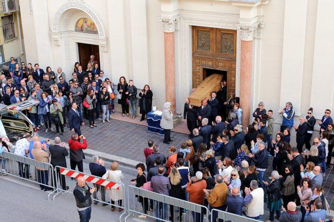 Funerale-Andrea-Mancini_Foto-LB-4-650x433