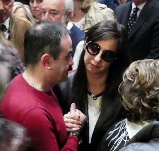 Funerale-Andrea-Mancini_foto-LB-18-325x307
