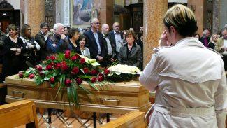 Funerale-Andrea-Mancini_foto-LB-2-325x183