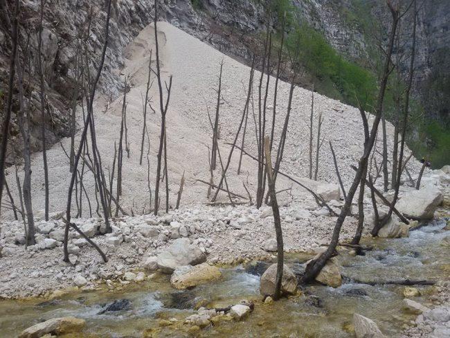 gole-infernaccio-frana-lago-4-650x488