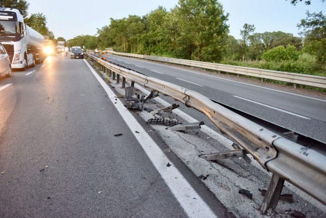 incidente-superstrada-cane-carreggiata-morrovalle-6-650x434