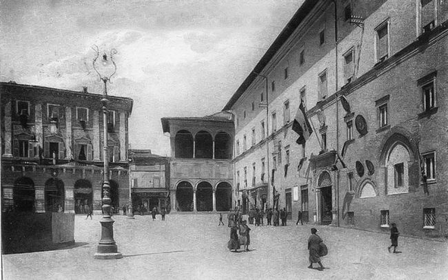 piazza-della-libertà-inizi-anni-30-650x406