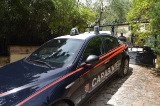 rapina-villa-daniele-centioni-carabinieri-san-savino-civitanova-21-325x217
