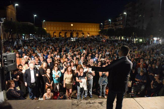 luigi-di-maio-piazza-xx-settembre-civitanova-10-m5s-650x434