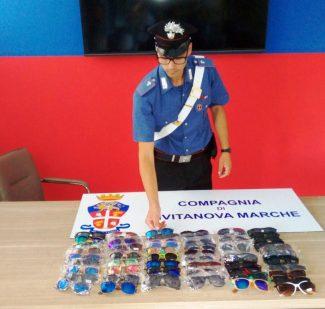 sequestro-occhiali-contraffatti-civitanova-1-325x309