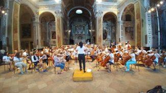 International-Music-Friendship-2017-scuola-Scodanibbio-Mc-1-1024x576-325x183