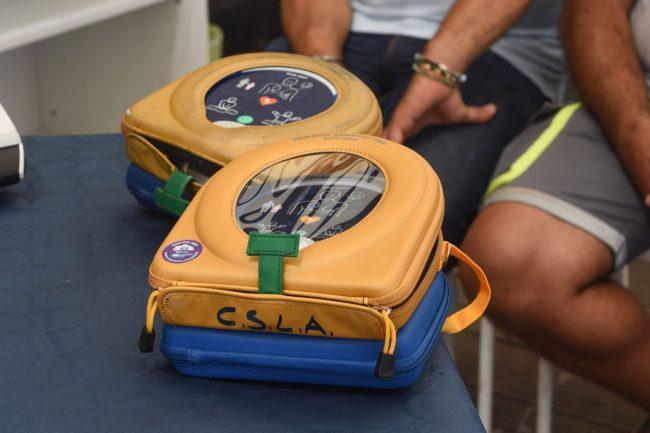 consegna-nuovi-defibrillatori-civitanova-FDM-2-650x433