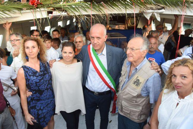 processione-in-mare-san-marone-2017-ciarapica-civitanova-FDM-17-650x434