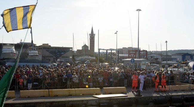 processione-in-mare-san-marone-2017-civitanova-FDM-7-650x359