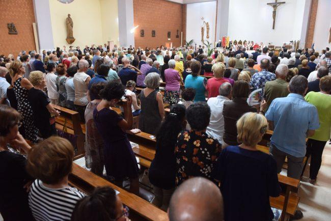 processione-in-mare-san-marone-2017-cristo-re-civitanova-FDM-3-650x434