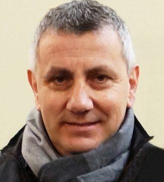 Stefano-Romagnoli-3-1-325x361