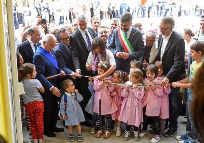 inaugurazione-scuola-con-gentiloni-sarnano-FDM-20-650x457