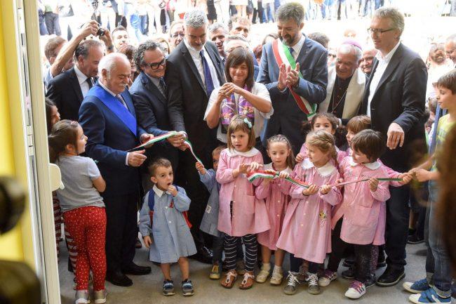 inaugurazione-scuola-con-gentiloni-sarnano-FDM-21-650x433
