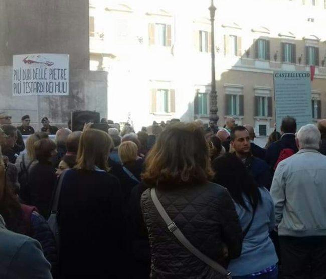 protesta-terremotati-roma-21-ottobre-17-15-650x558