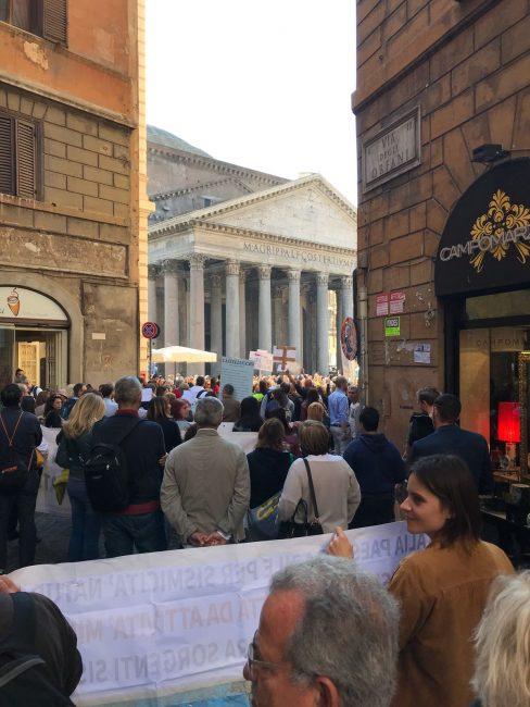 protesta-terremotati-roma-21-ottobre-17-20-488x650