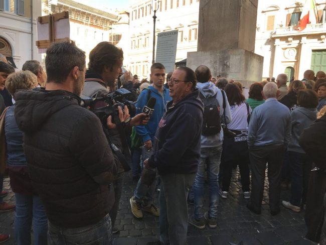 protesta-terremotati-roma-21-ottobre-17-4-650x488