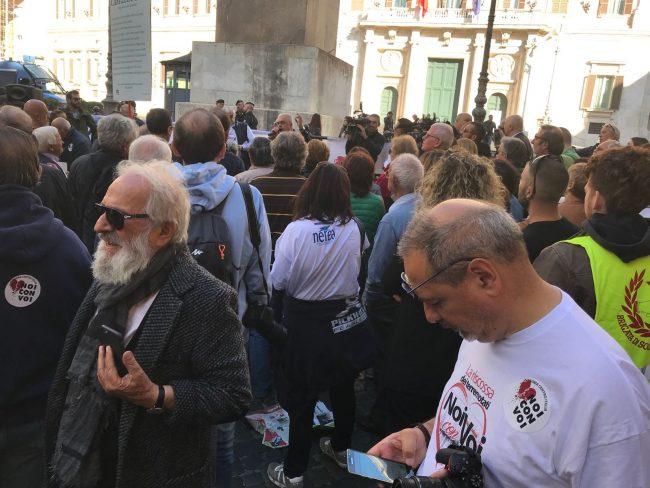 protesta-terremotati-roma-21-ottobre-17-6-650x488