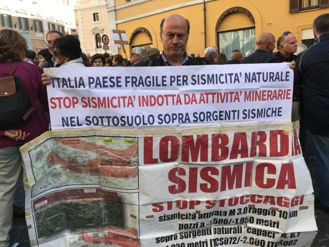 protesta-terremotati-roma-21-ottobre-17-9-650x488