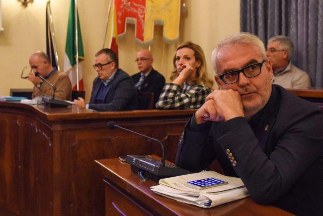 consiglio-comunale-aperto-su-ospedale-unico-romano-carancini-civitanova-FDM-1-650x434