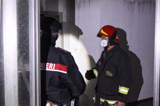 incendio-hotel-house-vdf-carabinieri-porto-recanati-FDM-5-650x434