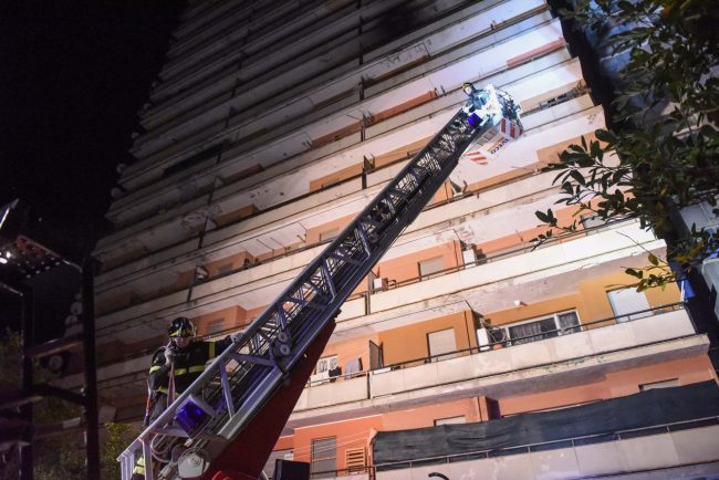 incendio-hotel-house-vdf-porto-recanati-FDM-8-650x434