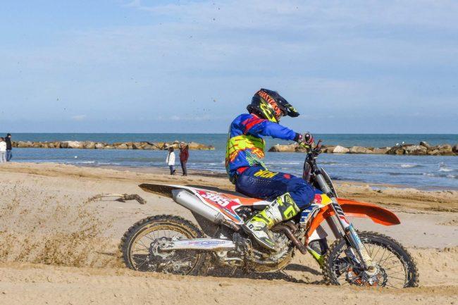motocross-on-the-beach-spiaggia-civitanova-FDM-13-650x433