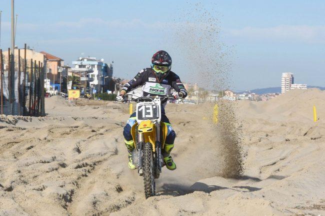 motocross-on-the-beach-spiaggia-civitanova-FDM-2-650x433