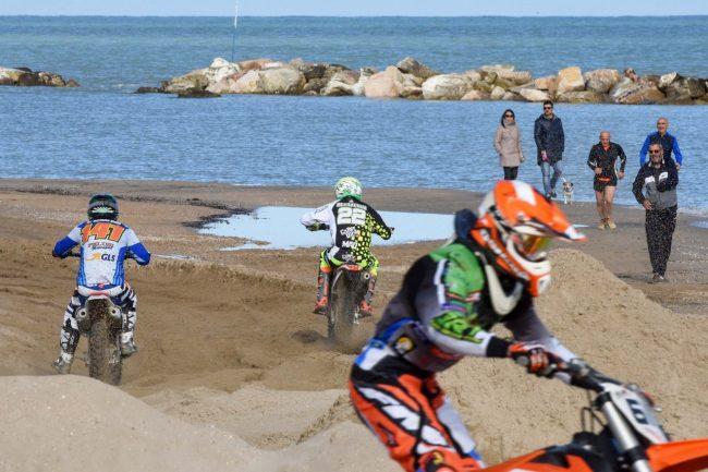 motocross-on-the-beach-spiaggia-civitanova-FDM-7-650x433