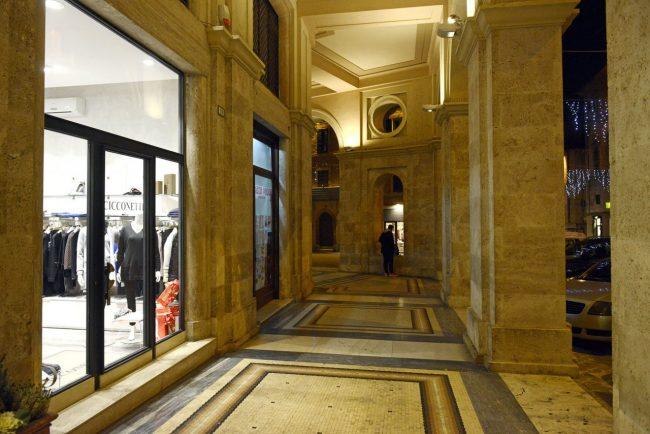 CommercioNatale_Centro-storico_17.27_FF-10-650x434