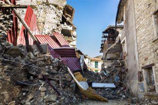 Terremoto-Arquata-e-frazioni-AV_002-325x217