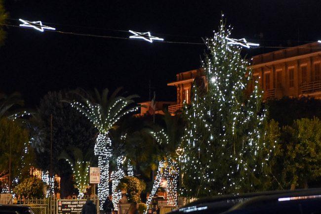 albero-di-natale-e-giardini-luminarie-civitanova