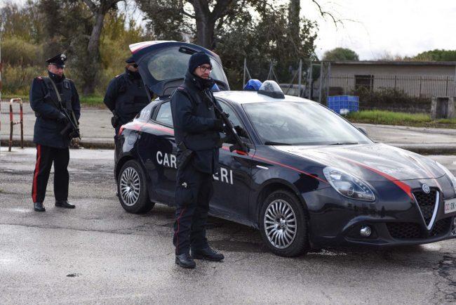 controlli-carabinieri-archivio-arkiv-cc-civitanova-FDM-6-650x434