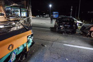 incidente-bus-auto-statale-adriatica-civitanova-ppp-4-325x217